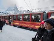 Die Jungfraubahn-Gruppe ist im ersten Halbjahr 2019 weiter gewachsen und hat erneut ein Rekordergebnis erzielt. (Bild: KEYSTONE/PETER KLAUNZER)