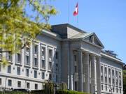 Das Bundesgericht hat zwei Verfügungen des Zwangsmassnahmengerichts Glarus aufgehoben. (Bild: KEYSTONE/LAURENT GILLIERON)