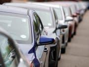 Der Abwärtstrend im Autogeschäft hat tiefe Löcher in die Bilanzen vieler Hersteller gerissen. 10 der 16 grössten Autokonzerne weltweit mussten im zweiten Quartal einen Gewinnrückgang hinnehmen. (Bild: KEYSTONE/AP/DAVID ZALUBOWSKI)