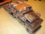 Mindestens zehn mal mehr Kokain als auf diesem Bild stellten die britischen Beamten auf einer Jacht sicher - und sie vermuten noch mehr. (Bild: Keystone/EPA/M. PRUCKNER / SPK SCHWECHAT)