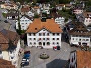 Auch der Gemeinderat von Moutier, der in diesem Gebäude tagt, gehört zu den Beschwerdeführern in Bern. (Bild: KEYSTONE/LEANDRE DUGGAN)