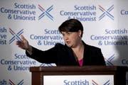 Ruth Davidson, Vorsitzende der schottischen Konservativen, gab ihren Rücktritt bekannt. Bad News für Premierminister Boris Johnson. (Quelle: Jane Barlow/PA via AP)
