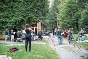 Das Luzerner Sinfonieorchester probt im Gütschwald für die «Ouverture dans la nuit».Bild: Manuela Jans-Koch (Luzern, 28. August 2019)