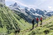 Der Alpkäse-Trail ist eine Mehrtageswanderung, die rund um Engelberg zu acht Alpkäsereien und in eine zauberhafte Bergwelt führt. (Bild: Tanya Hasler)