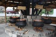 In Grangettes werden jedes Jahr rund 400 Liter Vin cuit produziert. Bild: zvg