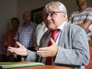 Poltisches Urteil: Moutiers Stadtpräsident Marcel Winistoerfer (CVP) am Donnerstag vor den Medien in Moutier. (Bild: KEYSTONE/ANTHONY ANEX)