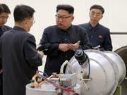 Unter der Führung des Diktators Kim Jong Un hat Nordkorea am Samstagmorgen einen weiteren Raketentest durchgeführt. (Bild: KEYSTONE/AP KCNA via KNS)