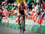Marc Hirschi - im Bild während der Tour de Suisse im Juni - fuhr beim Klassiker in San Sebastian als Dritter auf das Podest (Bild: KEYSTONE/GIAN EHRENZELLER)