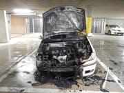 Auch weitere Fahrzeuge wurden durch die Russ- und Rauchentwicklung beschädigt. (Bild: KapoThurgau)