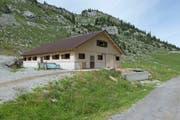 Das Alpkonzept erforderte den Bau eines neuen Stalls auf dem Unterstafel Wängi. (Bild: Christof Hirtler.