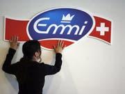 Der Milchverarbeiter Emmi verstärkt seine Präsenz in Lateinamerika. Die chilenische Tochter Surlat soll mit dem Mitbewerber Quillayes zusammengeschlossen werden. (Bild: KEYSTONE/URS FLUEELER)