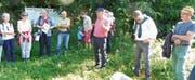Waren von den interessanten Ausführungen und vom renaturierten Buchser Abschnitt sehr beeindruckt: Mitglieder der Umweltgruppe Wartau auf ihrer Exkursion am Werdenberger Binnenkanal. Bild: PD
