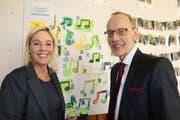 Schulleiterin Corinne Alder und Stiftungsratspräsident Armin Eugster freuen sich über die Rettung des Kathi. (Bild: Hans Suter)