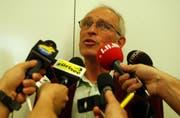 Die Medienkonferenz der Luzerner Polizei am 22. Mai 2002 sorgte international für Beachtung. Im Bild informiert Untersuchungsrichter Emil Birchler über den Fall Breitwieser. (Archivbild LZ)