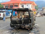 Indonesien hat 2500 Polizisten und Soldaten in die Unruheregion Papua geschickt, um dort andauernde Proteste für Selbstbestimmung zu kontrollieren.Die heftigen Proteste für Autonomie und gegen Polizeigewalt in den Provinzen Papua und Westpapua halten seit Mitte August an. (Bild: KEYSTONE/AP)