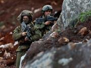 Israel verstärkt seine Verteidigungsmassnahmen an der Grenze zum Libanon. (Bild: KEYSTONE/AP/HUSSEIN MALLA)