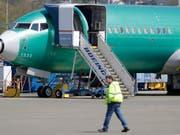 Ein US-Expertengremium braucht laut offiziellen Angaben vom Freitag offenbar mehr Zeit für die Meinungsfindung zur Wiederzulassung des Boeing-737-Max-Unglücksfliegers als ursprünglich angenommen worden war. (Bild: KEYSTONE/AP/TED S. WARREN)