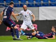 Tunahan Cicek und Vaduz mussten sich nach dem Erfolgserlebnis in der Europa League in der Meisterschaft mit einem Remis begnügen (Bild: KEYSTONE/EPA MTI/TIBOR ILLYES)