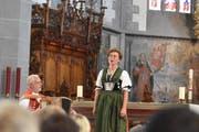 Der Akkordeonist Willi Valotti begleitet die Jodlerin Nadja Räss. Bild: cal