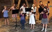 Die Akademieteilnehmer setzten den musikalischen Schlusspunkt hoch oben im Schloss. (Bild: Hanspeter Thurnherr)