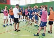 Fordert seine Nachwuchsspieler heraus: Radim Cepek, Cheftrainer der U21 von Zug United. (Bild: Roger Zbinden, Zug, 3. August 2019)