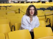 Lili Hinstin übernimmt in Locarno die künstlerische Leitung von Carlo Chatrian, der zur Berlinale gewechselt ist. Die Französin kam 1977 in Paris zur Welt, wo sie heute noch lebt. Sie studierte in Paris und Padua Kultur- und Literaturwissenschaften und gründete 2001 eine Filmproduktionsgesellschaft. Später war sie mitverantwortlich für ein auf Dokfilme spezialisiertes Festival in Paris. Von 2013 bis 2018 leitete sie das Filmfestival Entrevues in Belfort. (Bild: Christian Beutler/Keystone)