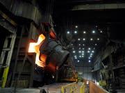 Die Bestellungen in der deutschen Industrie haben zugelegt (Symbolbild). (Bild: KEYSTONE/AP/JEFF ROBERSON)