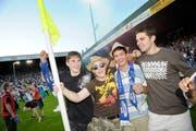 Auch die Eckfahnen wurden von begeisterten FCL-Fans vom Spielfeld entfernt und nach Hause getragen. (Bild: Pius Amrein, 13. Juni 2009)