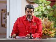 Die Vereinigten Staaten haben am Montag jeglichen Besitz der Regierung des Linksnationalisten Nicolás Maduro in den USA blockiert. (Bild: KEYSTONE/EPA EFE/RAYNER PENA)
