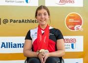 Licia Mussinelli mit ihrer Medaillensammlung. Bild: PD