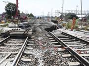 An der Baustelle des Bahntunnels bei Rastatt senkten sich vor zwei Jahren die Gleise ab. Die Bahnstrecke war danach während sieben Wochen gesperrt. Zur Stabilisierung wurde Tunnel auf 150 Metern mit Beton gefüllt. (Bild: Keystone/DPA/ULI DECK)
