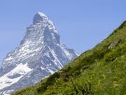 In diesem Jahr sind am Matterhorn bereits sieben Menschen tödlich verunglückt. (Bild: KEYSTONE/LEANDRE DUGGAN)