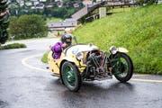 Gilt dieses Gefährt eigentlich als Motorrad? Egal, Hauptsache es kommt oben auf der Seebodenalp auch an. (Foto: Roger Grütter, Küssnacht, 12. August 2017)