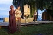 Matthias Peter (Mitte) spielt den närrischen Mönch Gallus. (Bild: KEYSTONE)