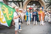 Die Thurgauer Delegation trifft am Bahnhof Vevey ein. (Bild: Andrea Stalder)