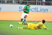 St.Gallens Dereck Kutesa gegen Dortmunds Mats Hummels. (Bild: Ralph Ribi)