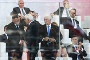 Polens Präsident Andrzej Duda empfängt den deutschen Bundespräsidenten Frank-Walter Steinmeier und US-Vize Mike Pence (v. l.) (Bild: EPA)