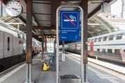 Am Hauptbahnhof St.Gallen darf man seit heute nur noch in den gekennzeichneten Bereichen rauchen. (Bild: Lisa Jenny)