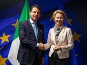 Bei seinem ersten Besuch in Brüssel an der Spitze der neuen Regierung aus Fünf-Sterne-Bewegung und sozialdemokratischer PD wurde Italiens Premierminister Giuseppe Conte von der designierten EU-Kommissionspräsidentin Ursula von der Leyen empfangen. (Bild: KEYSTONE/AP Pool/FRANCISCO SECO)