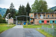 Asylzentrum Grosshof in Kriens. (Bild: Dominik Wunderli, 27. April 2019)