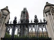Die von Premierminister Boris Johnson angeordnete Zwangspause für das britische Parlament verstösst nach Ansicht eines schottischen Berufungsgerichts gegen das Gesetz. Das Bild zeigt das Parlamentsgebäude in London. (Bild: KEYSTONE/AP/KIRSTY WIGGLESWORTH)