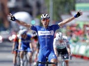 Philippe Gilbert freut sich über den Sieg in der 17. Etappe der Vuelta (Bild: KEYSTONE/EPA EFE/JAVIER LIZON)