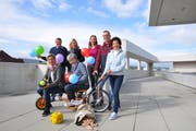 Teil des diesjährigen Spielstrassen-OKs: Werner Stiefel, Sabine Hui, Daniela Lüchinger, Matthias Schmid, Ursula Keller (stehend) Annette Auer und Esther Blaser (sitzend): (Bild: Hannah Engeler)