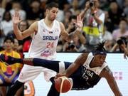 Nächster Sturz der US-Basketballer: Auch Serbien ist an der WM in China zu stark für die USA (Bild: KEYSTONE/AP/NG HAN GUAN)