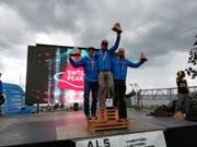 Jonas Russi (links) feiert den 2. Rang. (Bild: PD)