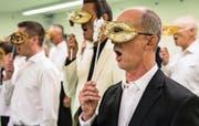 Der Zug Show Choir probt für seinen Auftritt in der Chollerhalle. (Bild: Christian H. Hildebrand, Walterswil, 8. September 2019)