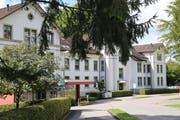 Das Pflegezentrum Linthgebiet schliesst eine von drei Bettenstationen. (Bild: pd)
