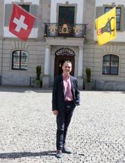 Landratspräsident und somit «höchster Urner», Pascal Blöchlinger, vor dem Rathaus in Altdorf. (Bild: Florian Arnold, Juni 2019)