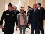 Der konservative Politiker Patrick Balkany und seine Frau Isabelle Balkany treffen zur Urteilsverkündung im Gericht ein. (Bild: KEYSTONE/EPA/CHRISTOPHE PETIT TESSON)