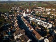 Sempach von oben: Will das Städtli künftig wachsen, braucht es eine neue Ortsplanung. (Bild: Manuela Jans-Koch, 24. November 2018)